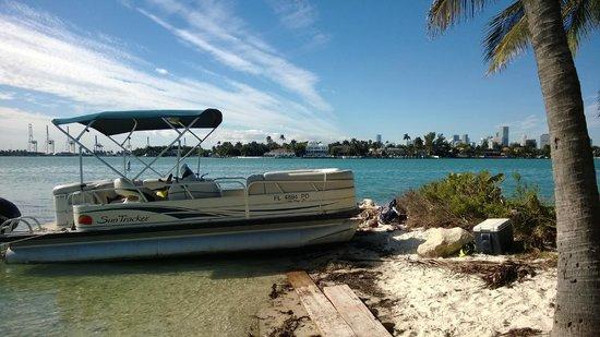 Boat Rental Miami : Island Getaway