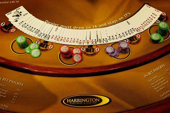 Harrington Raceway & Casino: Table game layout