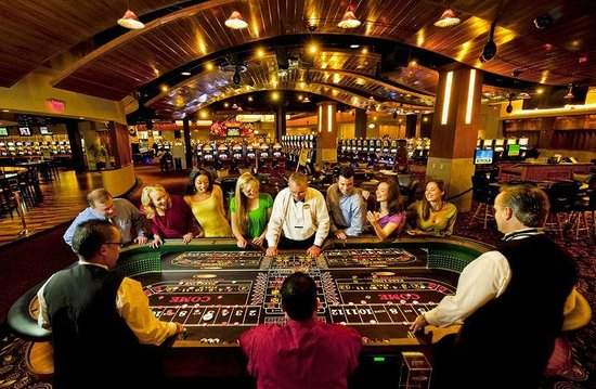 Harrington Raceway & Casino: Craps table