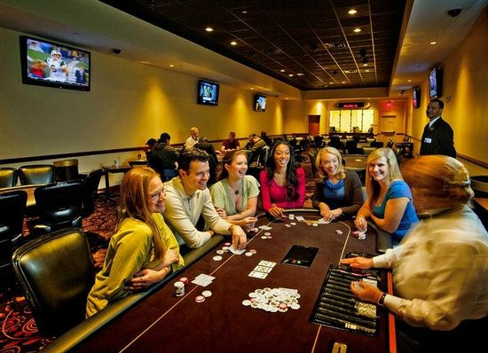 Harrington Raceway & Casino: Poker Room