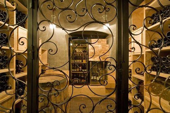 Kheiron Cafe Restaurant: Wine-cellar