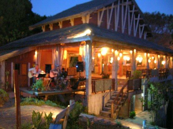 Noon Sunset View Point Restaurant : Live-Musik immer Mittwochs (gute Band)