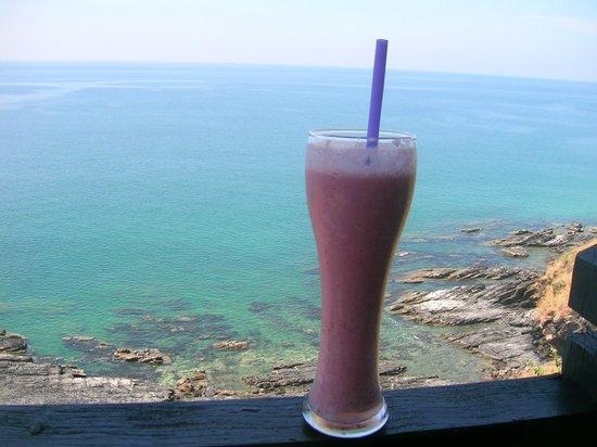 Noon Sunset View Point Restaurant : supergutes Erdbeersmoothie (mit Milch)