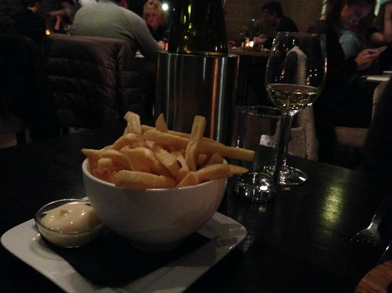 Harbour Restaurant: Side of fries