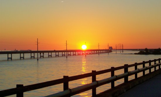 Seven Mile Bridge: sunset