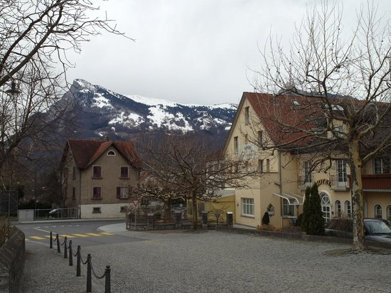 Hotel Hofbalzers (on the right side)