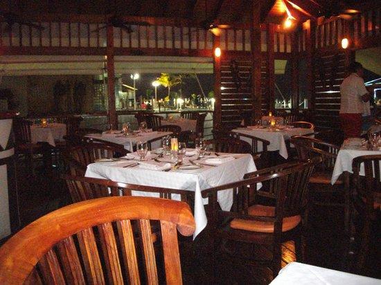 La salle à manger, Decameron Los Delfines
