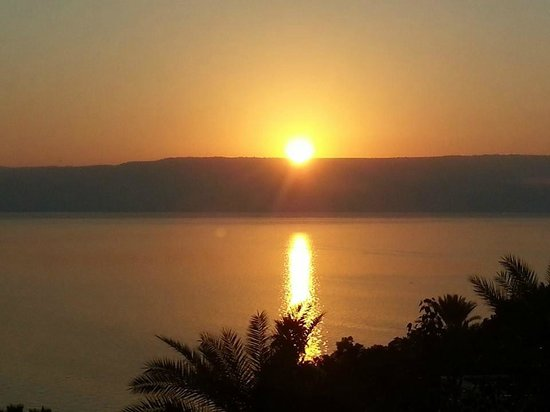 Scots Hotel: Sunrise over the Sea of Galilee from my window!