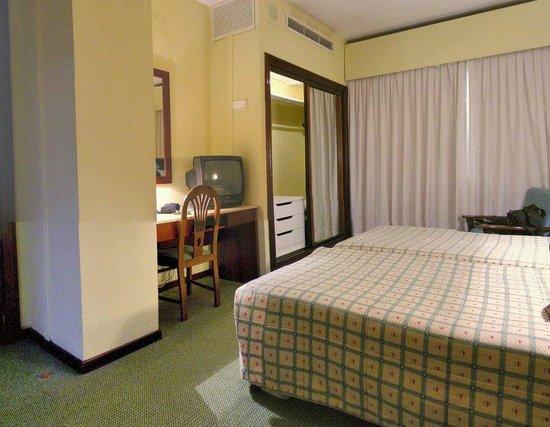Gran Hotel Lar : Window