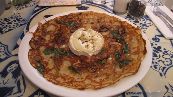 Pancakes Amsterdam : Spinach, garlic oil, mushrooms and goat cheese