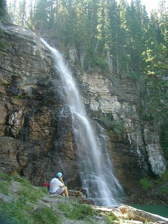 Lakeside Motel & Resort: Waterfalls around Trout  Creek, Lakeside Resort!