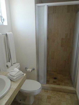 Calypso Hotel: Ванная комната