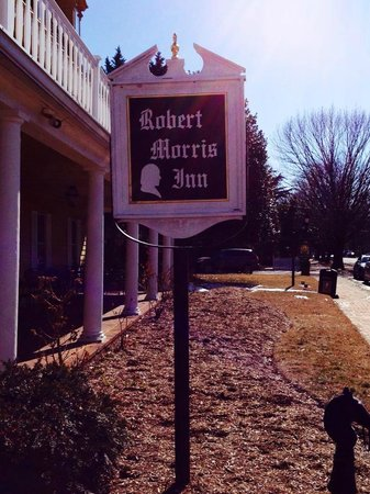 Robert Morris Inn: Signage