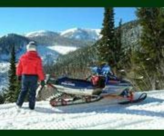 Lakeside Motel & Resort: Groomed Trails around Trout Creek , Lakeside Resort