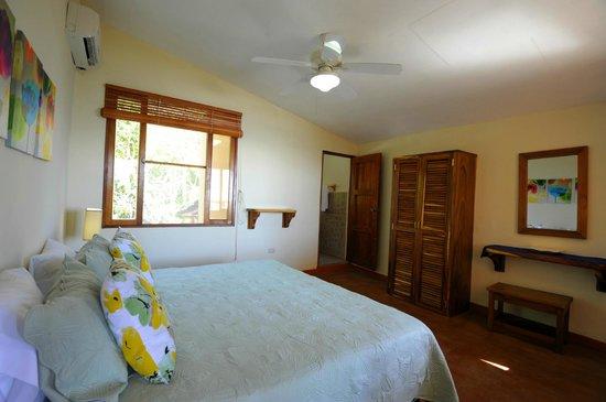 Villas Playa Maderas: Villa Tortuga Main Room