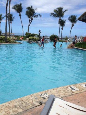 Embassy Suites by Hilton Dorado del Mar Beach Resort: Pool view at Embassy Suites Dorado