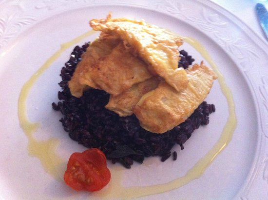 Hotel Suisse Restaurant : Black Venere risotto with persico fillets