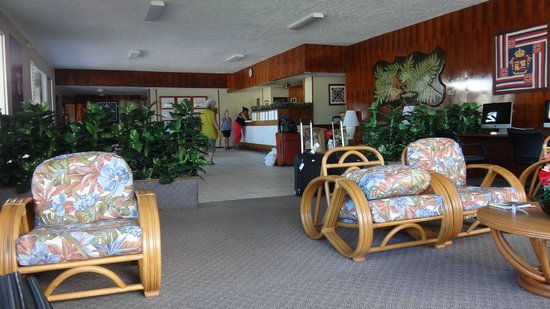 Hilo Seaside Hotel: Lobby