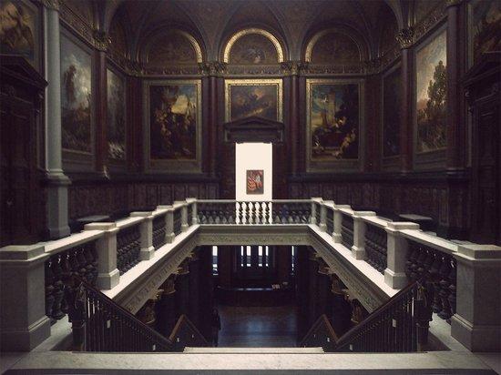 Hamburger Kunsthalle: Amazing historical room and stairway