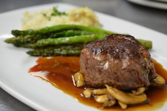 Acme Lowcountry Kitchen : Local SC Filet