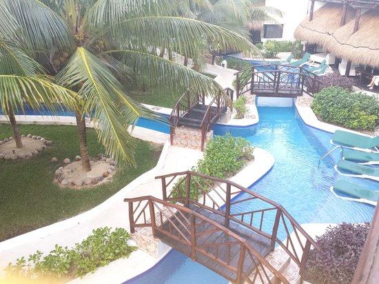El Dorado Casitas Royale, by Karisma: Room Pool View