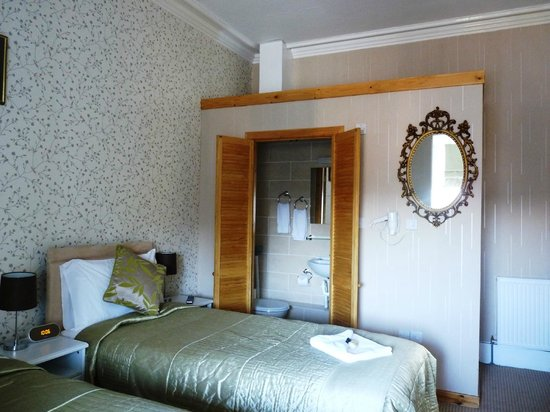 Alba Hills Guest House: Family Room en Suite