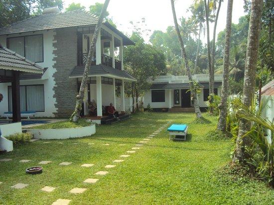Mayas Beach House : main view