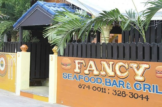 Fancy Seafood Bar and Grill: Elegant Entrance to Fancy Seafood Bar & Grill