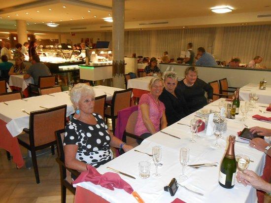 Sandos Monaco Beach Hotel & Spa: verjaardagsfeest met onze vrienden