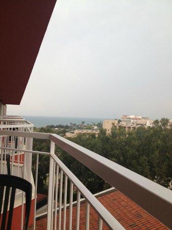 IC Hotels Santai: Вид на пляж и парк