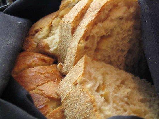 Zocca Cuisine D'Italia: Comp Bread