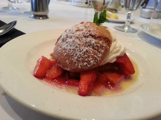 Brennan's of Houston: Strawberry Shortcake
