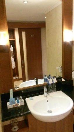 Novotel Jakarta Mangga Dua Square: ห้องน้ำ