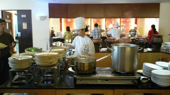 Novotel Jakarta Mangga Dua Square: ห้องครัวตอนเช้า