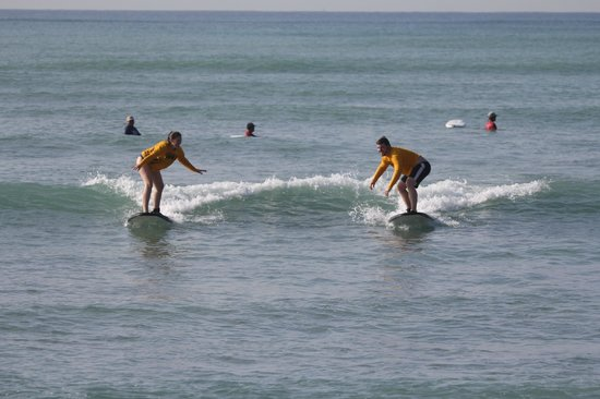 Hawaii Surf Lessons 101 : Little competition!