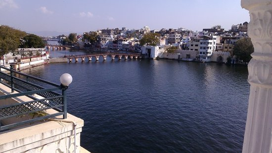 Hotel Thamla Haveli: lake view from the hotel