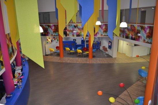 l 39 accueil r nov 2014 photo de h tel du futuroscope chasseneuil du poitou tripadvisor. Black Bedroom Furniture Sets. Home Design Ideas