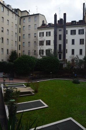 BEST WESTERN Atlantic Hotel: View of the courtyard