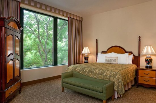 Hotel Providence: Guest Room