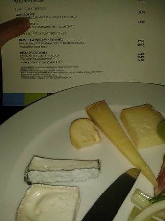 Sofitel London Gatwick: Seriously local cheeses with a touch of the french
