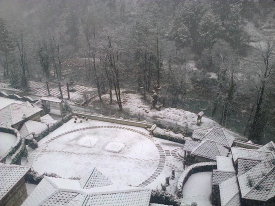The Himalayan Village: View after snowfall from superior machaan