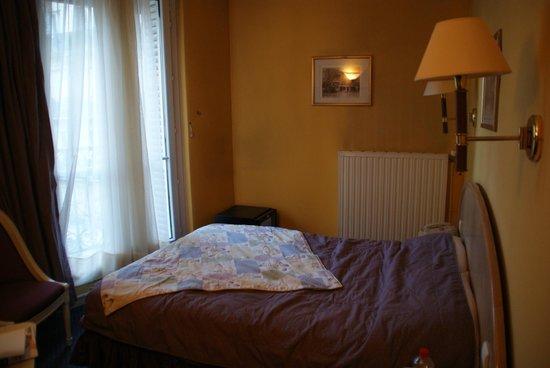 Hotel Regence : Chambre 304