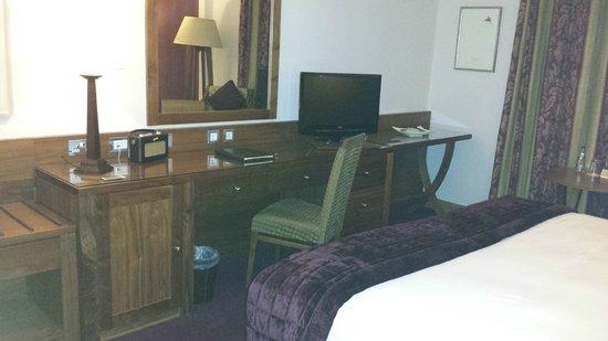Brooks Hotel: Desk
