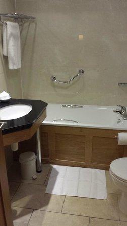 Brooks Hotel: Bathroom