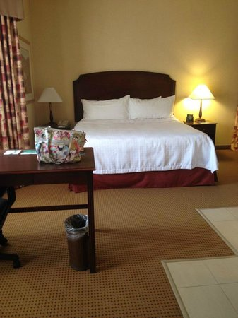 Homewood Suites by Hilton Toronto - Mississauga : Bed