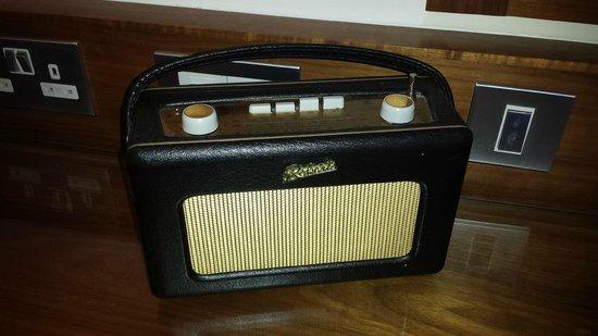 Brooks Hotel: Roberts Radio