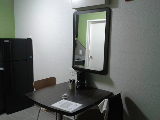 Studio 6 Ft Lauderdale - Coral Springs: Room