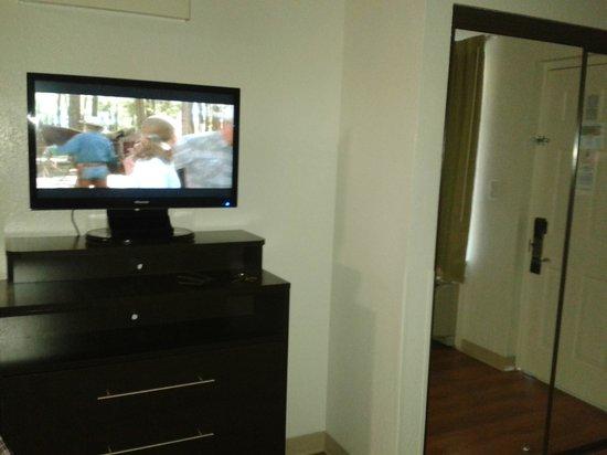 Studio 6 Ft Lauderdale - Coral Springs: Television