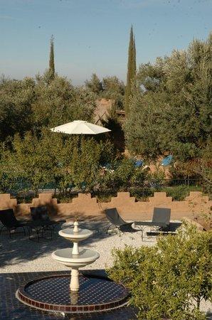 Dar Achorafa: jardin et fontaine