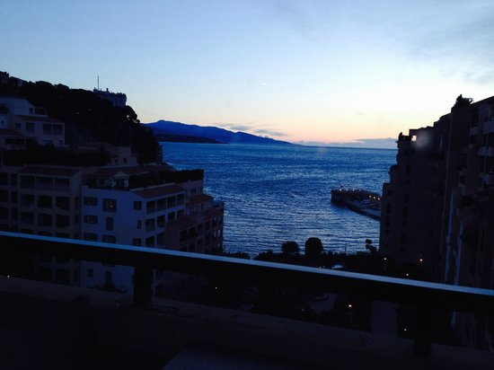 Columbus Monte-Carlo : Relaxing view after work